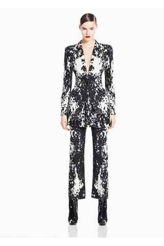 images/cast/10150090776407035=my job on fabrics x=alexander mcqueen - pre Fall 2011-